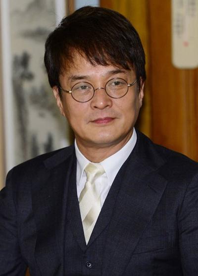 Diễn viên Jo Min Ki tự tử ngày 9/3, sau khi bị hơn 20 người tố cáo hành vi quấy rối, cưỡng bức.