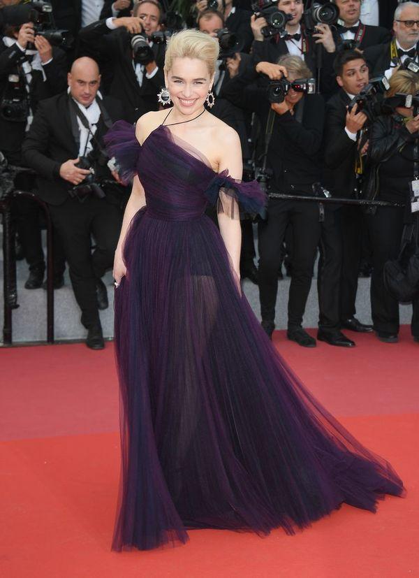 Đầm của 'Mẹ Rồng' ở Cannes mất gần 11 ngày thực hiện