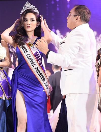 Đại diện Việt Nam - Diệu Linh - vào Top 10 của cuộc thi và nhận giải phụ Nữ hoàng Du lịch Toàn cầu.