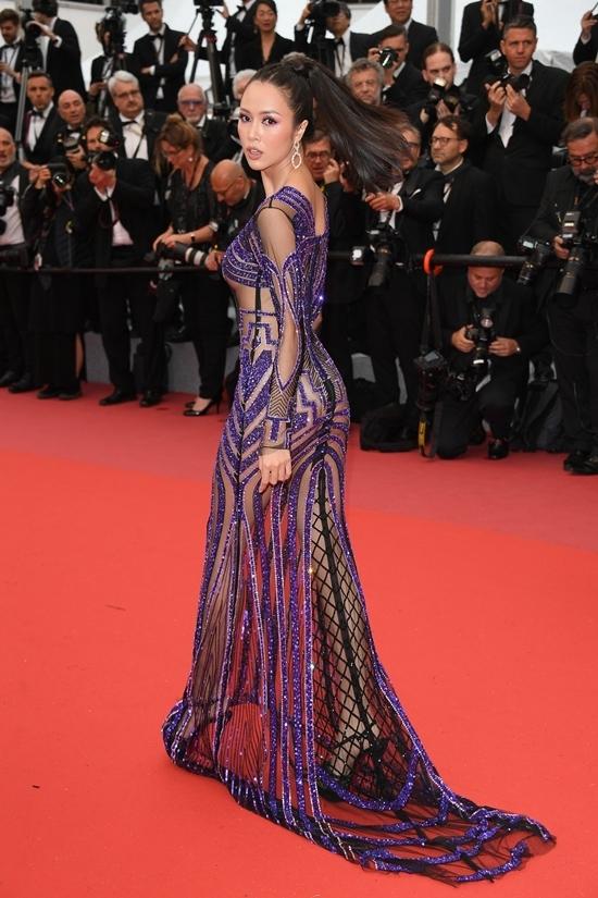 Vũ Ngọc Anh hở bạo trên thảm đỏ Cannes