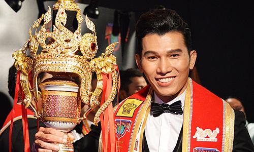 Ngọc Tình chiến thắng Manhunt International 2017.