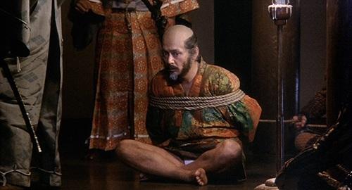 Tatsuya Nakadai đóng hai vai