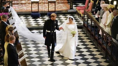 Váy cưới của công nương Meghan Markle được làm thế nào - 1