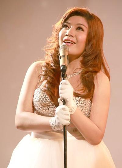 Năm 2013, Lê Xuân Nghi bắt đầu giảm cân nhưng không thành công vì tạng người cô xuống và lên cân thất thường.