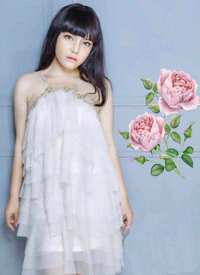 Trong một bộ ảnh, Lê Xuân Nghi khiến nhiều người ngỡ ngàng với khuôn mặt xinh đẹp.