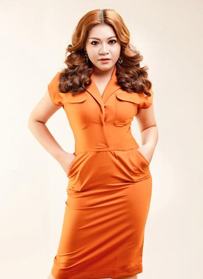Năm 2012, trong cuộc thi Miss Sport, nhan sắc Diệp Lâm Anh bắt đầu thay đổi bằng cách trang điểm. Cô tạo khối cho gương mặt sắc sảo hơn bằng cách tán phấn, vẽ mắt đậm hơn.