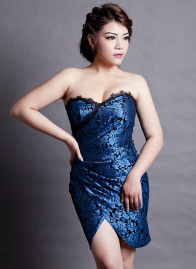 Cuối năm 2016, Lê Xuân Nghi hát thêm dòng nhạc dance vì vậy cô bắt đầu chuyển phong cách ăn mặc theo hướng gợi cảm hơn.