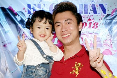 Hồ Việt Trung tổ chức sinh nhật mừng con gái ba tuổi vào tuần trước.