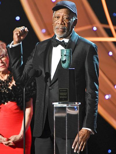 Morgan Freeman nhận giải Thành tựu trọn đời của SAG-AFTRA hồi đầu năm.