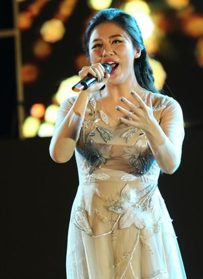 Văn Mai Hương chọn ca khúc nhạc phim Một ngày hay trăm năm biểu diễn.