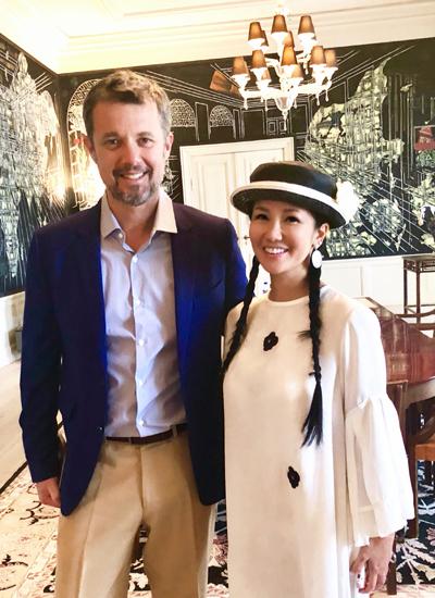 Hồng Nhung và hoàng thái tử Frederik.