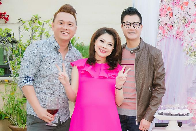 Quang Dũng mừng tình cũ Thanh Thảo sắp làm mẹ