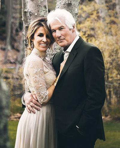 Richard Gere và vợ, Alejandra Silva, trong ngày cưới. Ảnh: PA.