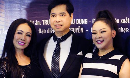 Ca sĩ Như Quỳnh (phải) và ca sĩ Ngọc Sơn (giữa).
