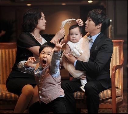 Khoảnh khắc hạnh phúc của gia đình Ngôi sao bình dân Cha Tae Hyun - 2