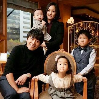 Khoảnh khắc hạnh phúc của gia đình Ngôi sao bình dân Cha Tae Hyun - 3