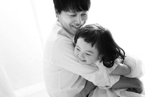 Con gái út Soo Jin và bố.