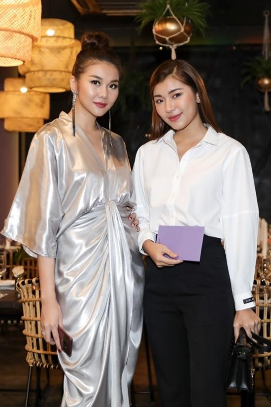Vợ chồng Bình Minh mừng Thanh Hằng làm bà chủ