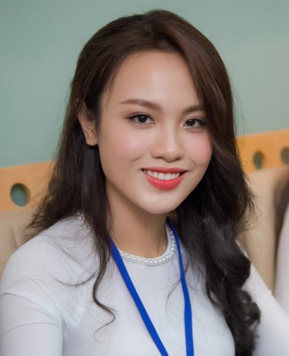 Hoa khôi Đại học Ngoại thương TP HCM - Huỳnh Phạm Thủy Tiên - vào chung khảo Hoa hậu Việt Nam.