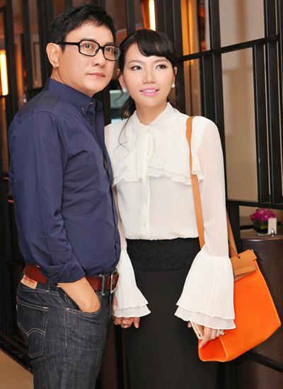 Diễn viên Hoàng Phúc và vợ.