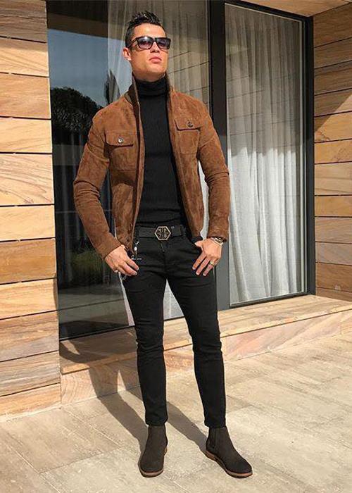 Gu mặc biến hóa của cầu thủ Cristiano Ronaldo