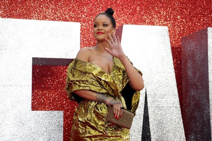 Dàn mỹ nhân Hollywood mặc thời thượng trên thảm đỏ London