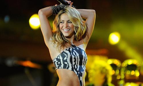 Shakira biểu diễn tại khai mạcWorld Cup 2010.