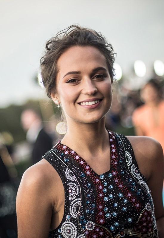 Công nương Meghan Markle vào top 100 mỹ nhân quyến rũ nhất 2018