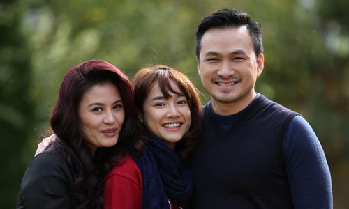 Hoa Thuý, Nhã Phương, Chi Bảo (từ trái qua) trong phim.