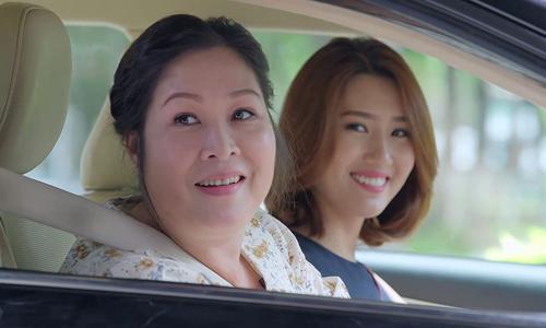 NSND Hồng Vân (trái) vào vai mẹ vợ ác nghiệt trong Gạo nếp gạo tẻ.