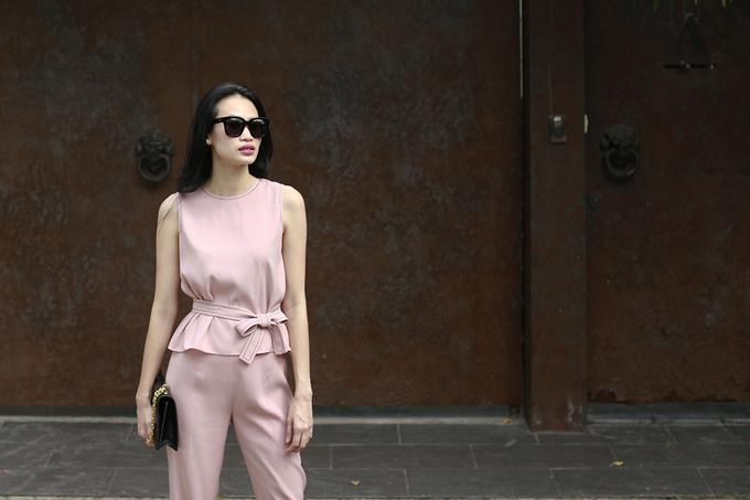 Những kiểu mặc cho cô gái ưa phong cách tối giản