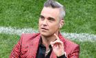Robbie Williams giải thích lý do giơ 'ngón tay thối' ở World Cup