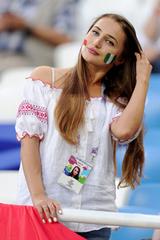 Gu mặc gợi cảm của cổ động viên World Cup