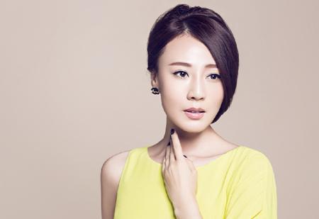 Khang Hoa là gương mặt quen thuộc của đài TVB.