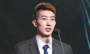 Thủ môn Hàn Quốc gây sốt bởi vẻ sành điệu