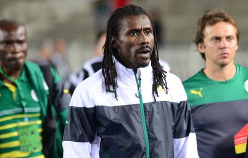 Aliou Cisse được học trò yêu mến nhờ tính cách quyết liệt, khả năng truyền lửa. Ông dẫn dắt đội tuyển quốc gia Senegal từ năm 2013.
