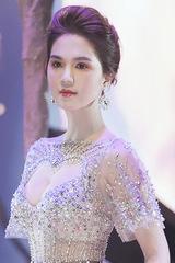 Ngọc Trinh diện váy khoét catwalk, khiêu vũ ở show Đỗ Long