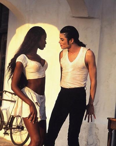 Naomi Campell và Michael Jackson.