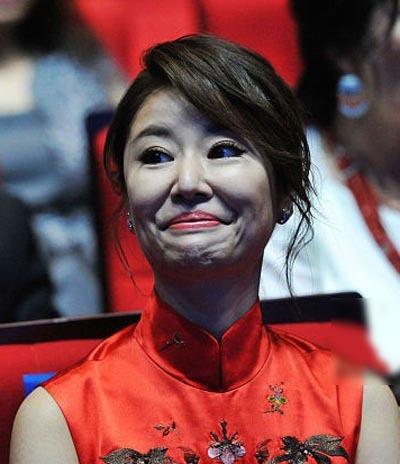 Những ngày qua, Lâm Tâm Như là tâm điểm bàn tán vì bức ảnh tại một lễ trao giải.