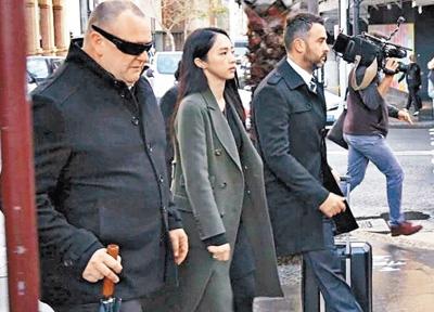 Đổng Tuyền dự phiên xét xử chồng hôm 28/6.