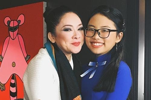 Phương Mỹ Chi lần đầu gặp Như Quỳnh cuối năm 2017 khi lưu diễn ở Mỹ.