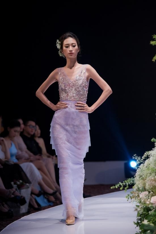 Phạm Hương, Hồng Quế và con gái làm vedette