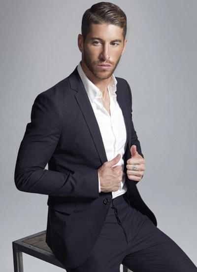 Tây Ban Nha còn góp một mỹ nam khác trong đội hình World Cup năm nay. Sergio Ramos từng được tôn vinh là cầu thủ ăn mặc chấtnhất đội tuyển quốc gia trong nhiều năm liền.