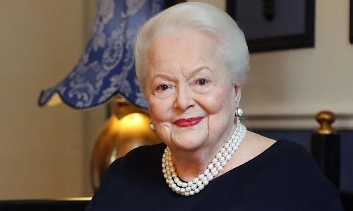 Nữ diễn viên ở tuổi 102. Ảnh: AP.