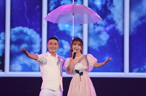 Jang Mi mang đến phần trình diễn đầy ngọt ngào, duyên dáng qua các bản hit được yêu thích như Sáng nay mưa,  Yêu. Giọng ca đến từ Cà Mau cho biết cô yêu Sài Gòn trong từng chi tiết nhỏ, bởi từng con đường, hàng cây, quán cóc ven đường đều mang đến những điều dễ thương.