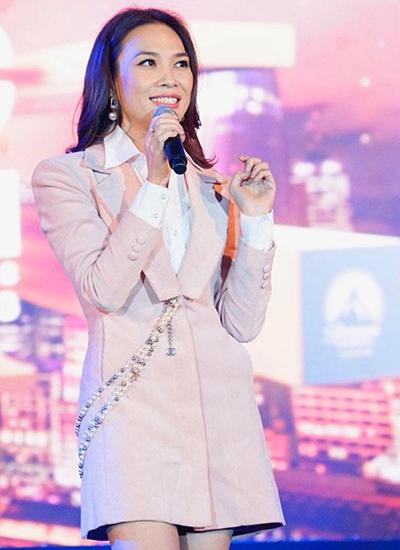 Mỹ Tâm ca sĩ biểu diễn cuối cùng trong đêm nhạc Dạ khúc yêu thương tối 7/7 tại TP HCM.