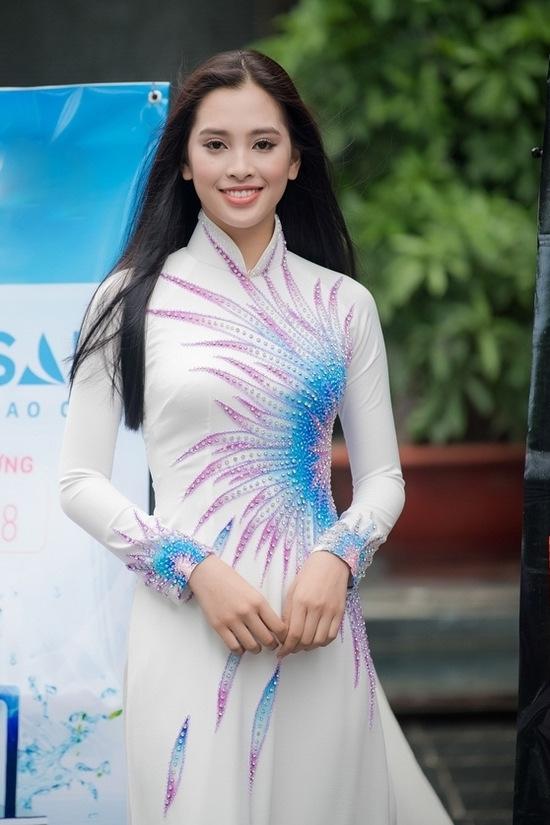 6 cô gái sinh năm 2000 vào chung khảo Hoa hậu Việt Nam miền Bắc
