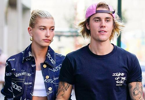 Justin Bieber đính hôn người mẫu Hailey Baldwin