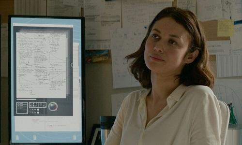 Olga Kurylenko thủ vai người mẹ can đảm trong phim mới.