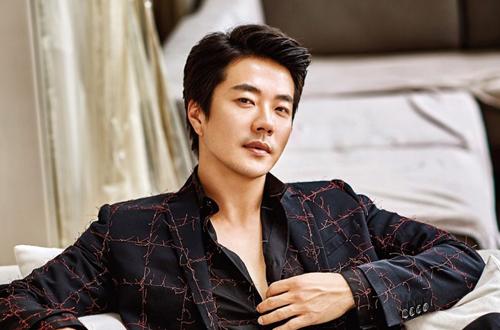 Diễn viên Kwon Sang Woo tới Việt Nam.